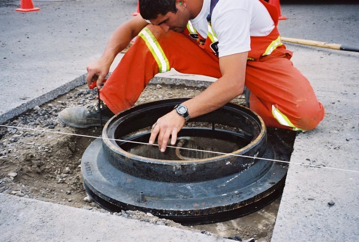 Adjusting Manholes