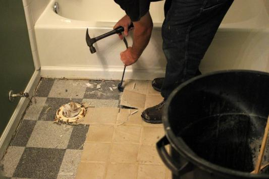 Original-Mick-Telkamp_Remove-tile-floor3.jpg.rend.hgtvcom.1280.853