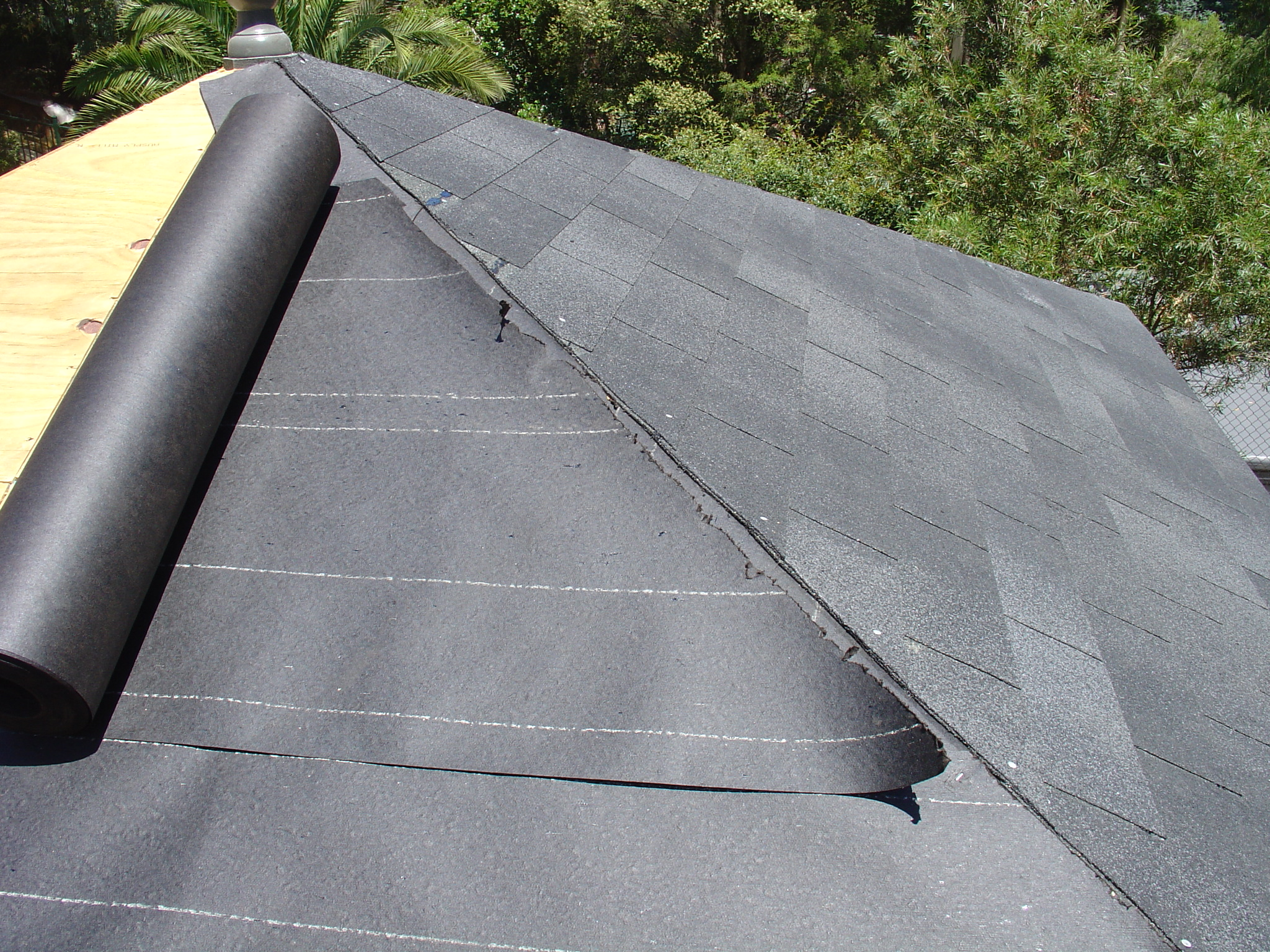 ... Also Afterwards As Additional Sheathing Protection From Wind Driven  Rain. 15lb Felt Is Commonly Sufficient For Most Fiberglass/asphalt Shingle  Roofs, ...