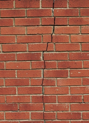 detail_nrg_brick_wall_crack_2